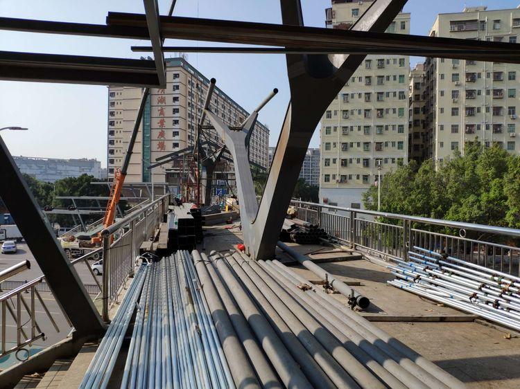 北苑人行天桥景观提升工程施工过程